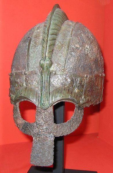 Yelmo de antifaz de la era de Vendel (Museo Nacional sueco de antigüedades)