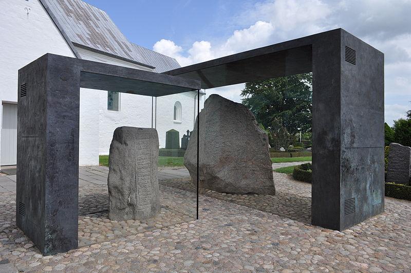 Rune Stone Jelling Dinamarca