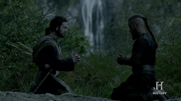 Athelstan y Ragnar rezando.