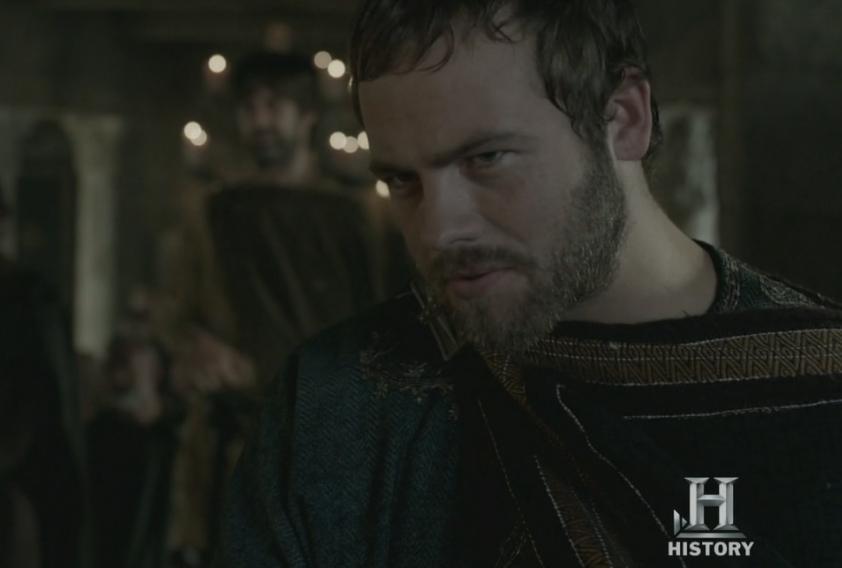 Ethelwulfo de Wessex, interpretado por Moe Dunford