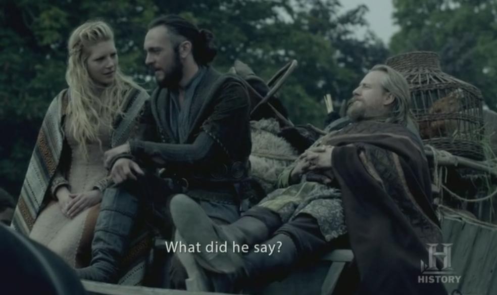 Athelstan, Lagertha y Egberto de camino a las nuevas tierras de los vikingos.