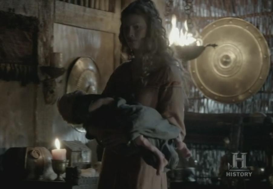 """Asalug con Ivar """"Sin Huesos"""". Se le pueden apreciar las piernecitas deformes."""